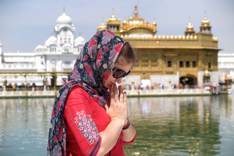 My expat story. Marianna Sharma: a digital ambassador for happy and peaceful life in India.